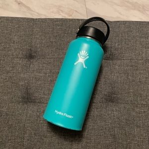 Hydro Flask Other - ✨32oz Hydro Flask water bottle teal blue💧